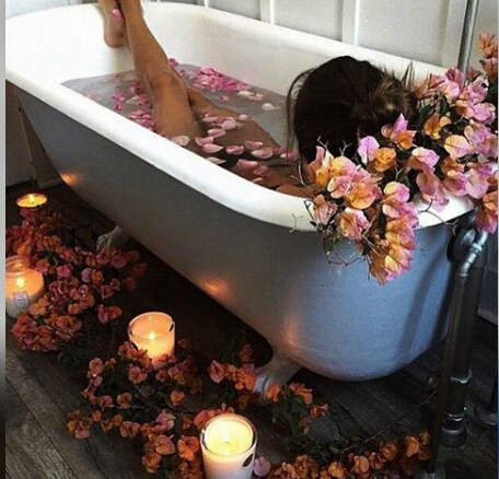 rose-bath-candle