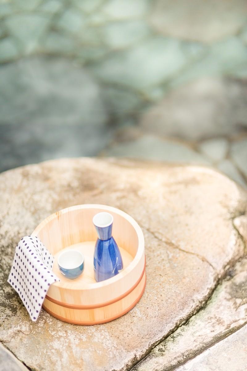 温泉と桶の写真